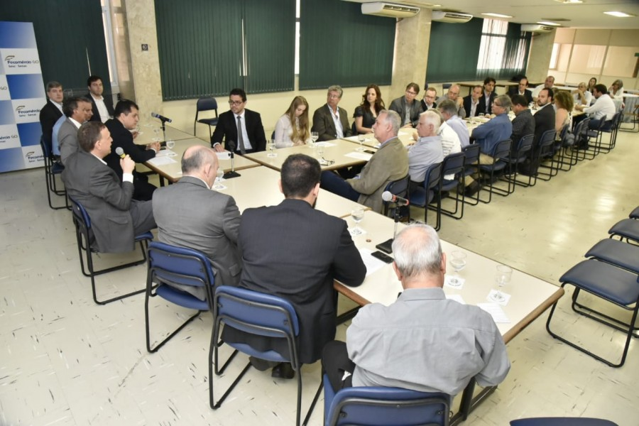 [noticia: crea-participa-de-discussao-sobre-anel-viario-metropolitano] Mais de 40 pessoas participaram dos debates da última reunião - ANEL_VIARIO_METROPOLITANO_03.jpeg