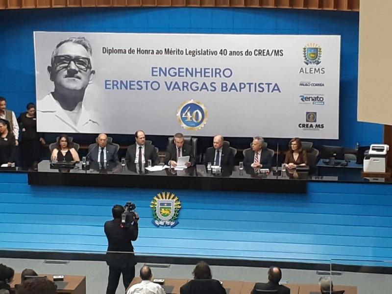 [noticia: ricardo-veiga-participa-da-ultima-reuniao-do-cp-em-2019] Solenidade na Assembleia Legislativa de Mato Grosso do Sul celebrou os 40 anos do Crea-MS - PDV_3.jpeg