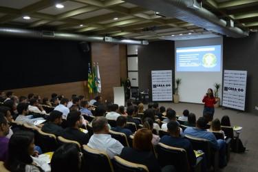 """[noticia: recem-formados-recebem-registro-profissional-no-crea-go] Ana Renata Litfalla aborda sobre """"Ética, Legislação e Valorização Profissional"""" - ENTREGA_1.JPG"""