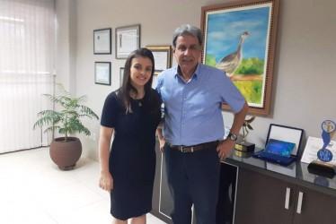 [noticia: crea-recebe-visita-da-vereadora-marussa-boldrin] A vereadora Marussa Boldrin foi recebida pelo presidente Francisco Almeida - VISITA_MARUSSA_BOLDRIN.jpg