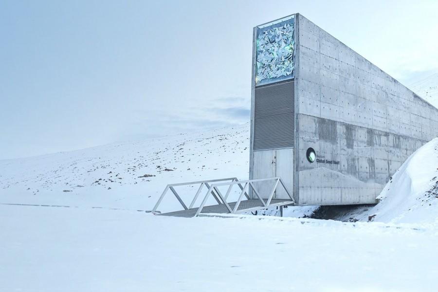 [noticia: brasil-enviara-nova-remessa-para-o-banco-mundial-de-sementes] A entrada para o Banco Mundial de Sementes, no meio do gelo Ártico (Foto: The Crop Trust) - BANCO_MUNDIAL_SEMENTES.jpg