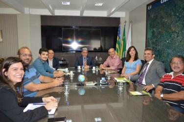 [noticia: crea-recebe-convite-para-participar-de-sessao-especial-em-prol-da-ufg] Foto: Encontro reúne representantes do Crea-GO e da Universidade Federal de Goiás, além do vereador Anselmo Pereira (PSDB) - DSC_0050.JPG