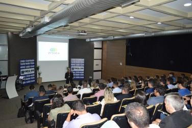 [noticia: solenidade-de-ingresso-entrega-82-novas-carteiras-profissionais] Francisco Almeida dá as boas-vindas aos novos profissionais do Sistema Confea/Crea em Goiás - DSC_0132.JPG