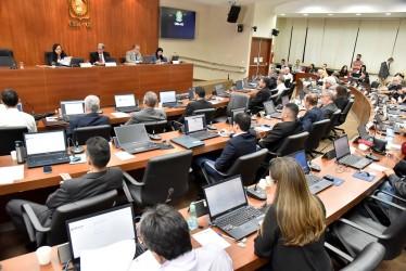 [noticia: novos-conselheiros-regionais-sao-empossados] A 830ª Sessão Plenária Ordinária do Crea-GO marcou a posse dos novos conselheiros regionais (Foto: Silvio Simões) - POSSE_COSELHEIROS_2020_01.jpg