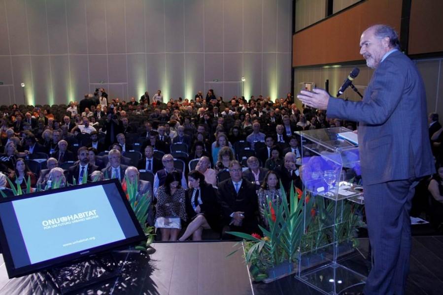 [noticia: para-representante-do-onu-habitat-cidades-inteligentes-requerem-abordagem-holistica] A palestra foi ministrada a cerca de 800 pessoas, durante lançamento da 77ª Soea - PALESTRA_ALAIN_GRIMARD_SOEA_02.jpg