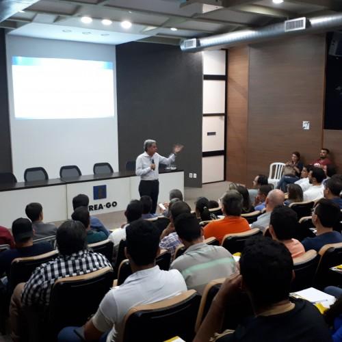 [noticia: palestra-sobre-livro-de-ordem-e-art-recebe-120-participantes] Pres. Francisco Almeida fez a apresentação de abertura do evento - Palestra Livro de Ordem (1).jpg