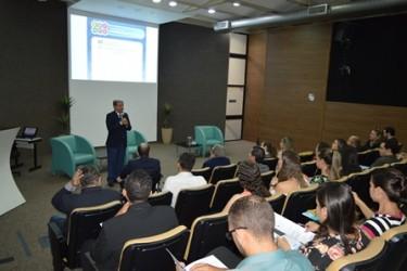 [noticia: 1200-profissionais-participam-de-palestras-no-primeiro-semestre-de-2020] Pres. Francisco Almeida no 1° Seminário de Acessibilidade do Crea-GO, em abril de 2019 - SEMINÁRIO DE ACESSIBILIDADE 2019.JPG