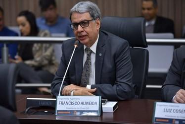 [noticia: sistema-confeacrea-realiza-sessao-plenaria-n-1500-em-brasilia] Francisco destacou na 1.500 Sessão Plenária a importância de se tratar da federalização do Plenário - 01.jpg