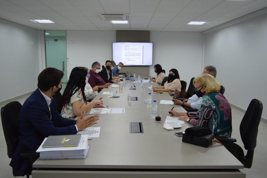 [noticia: lamartine-moreira-comanda-a-primeira-reuniao-de-diretoria-da-gestao] A primeira reunião da Diretoria aconteceu no dia 12 de janeiro - REUNIÃO DE DIRETORIA.JPG