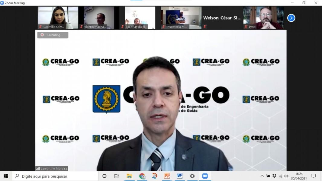 [noticia: novos-inspetores-do-crea-go-sao-empossados] O presidente do Crea-GO, Eng. Lamartine Moreira, deu posse aos 84 inspetores do Crea-GO para o triênio 2021-2023 - POSSE DOS INSPETORES 01.jpeg