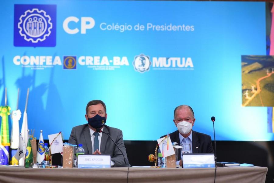 [noticia: salvador-recebe-colegio-de-presidentes] Presidente Joel Krüger e vice-governador da Bahia, João Leão, na abertura da reunião do Colégio de Presidentes em Salvador - CP_DIA01_02.jpg