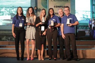 [noticia: premio-mutua-2019-e-entregue-em-palmas] O diretor da Mútua, Jorge Silveira (segundo à direita), junto aos vencedores - 01.jpg
