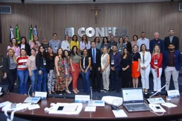 [noticia: ouvidora-de-goias-participa-de-seminario-no-confea] O X Seminário Nacional de Ouvidores do Sistema Confea/Crea e Mútua reuniu representantes das ouvidorias de Creas na sede do Federal, em Brasília-DF - Ouvidores.jpg