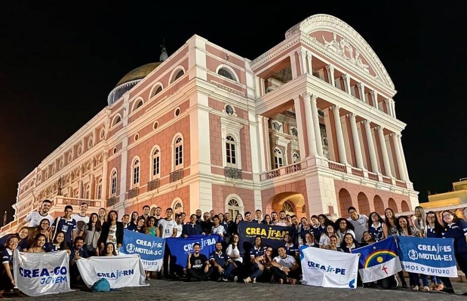 [noticia: crea-go-jovem-participa-do-v-encontro-nacional-do-crea-junior] O evento buscou aproveitar espaços históricos de Manaus, como o Palácio da Justiça, o Palacete Provincial e o Teatro Amazonas - CREA_JOVEM_ENAC.jpg