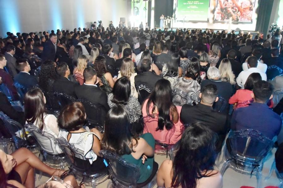 [noticia: crea-go-entrega-o-18-premio-de-meio-ambiente] Mais de 400 convidados participam da solenidade de entrega do 18º Prêmio Crea Goiás de Meio Ambiente (Fotos: Silvio Simões) - PREMIO_01.jpg