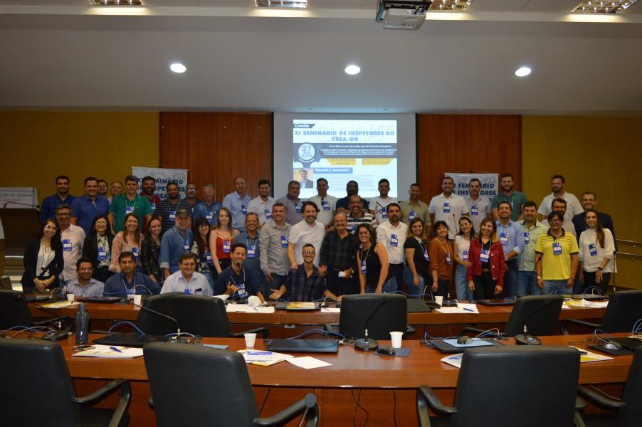[noticia: crea-promove-o-xi-seminario-de-inspetores] Inspetores reunidos durante capacitação (Fotos: Silvio Simões) - SEMINÁRIO_1-A.JPG